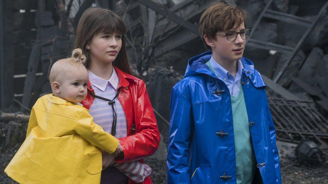 「波特萊爾的冒險」影集版公認較電影版更出色。圖/Netflix提供