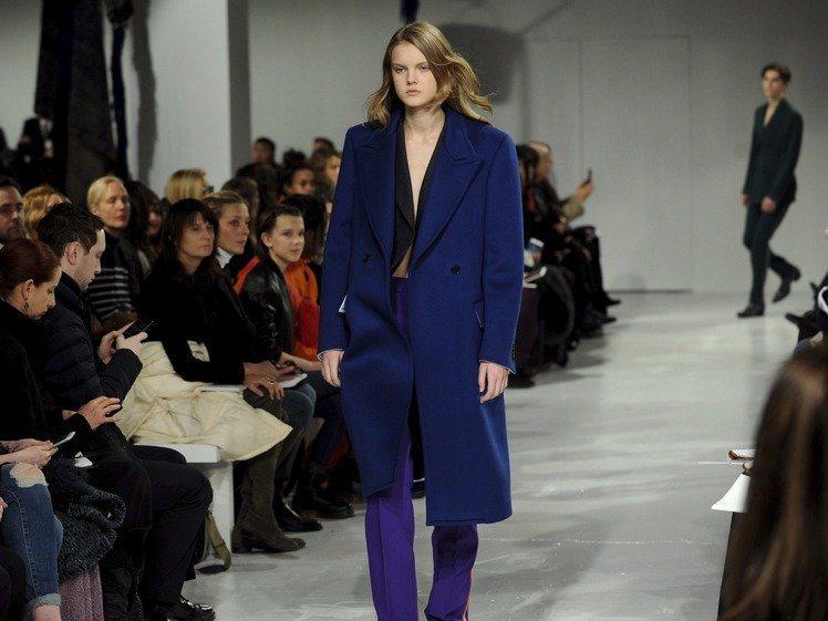 Raf Simons入主Calvin Klein後的2017秋冬時裝秀。圖/美聯...