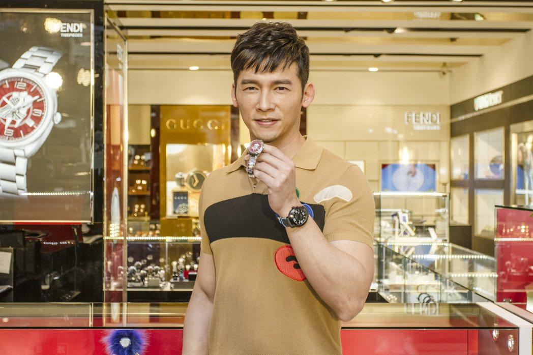 溫昇豪運用成熟男性眼光,替廣大的女性消費者精挑細選適合的Fendi腕表。圖/葳鑠