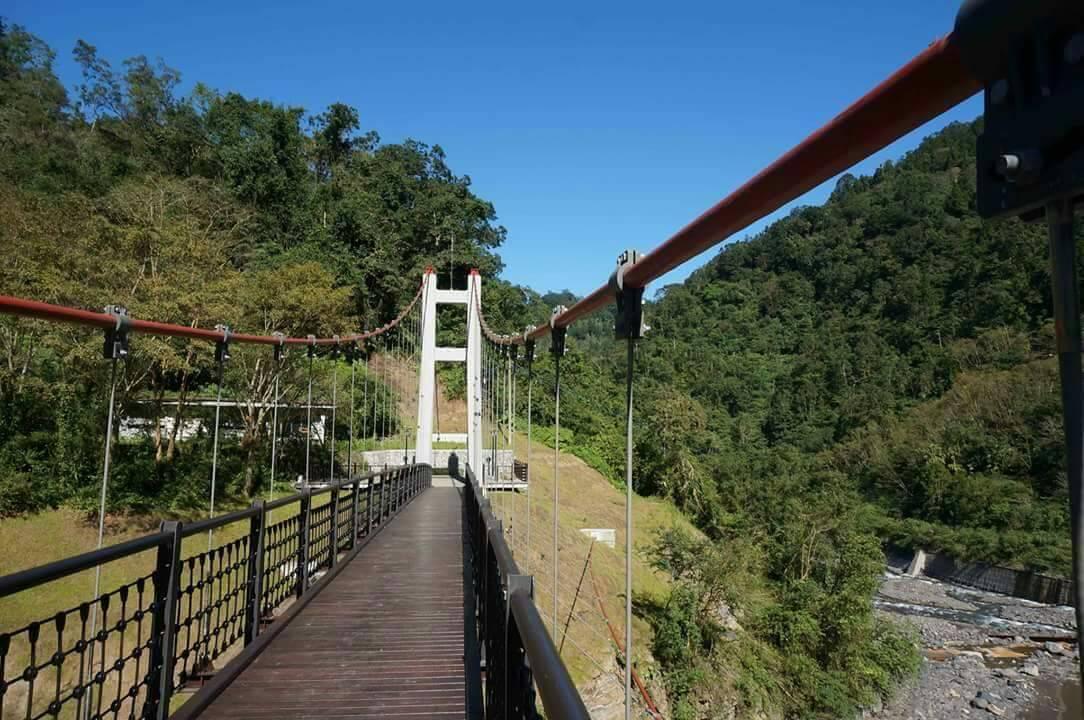 太平山多望吊橋浪漫美麗,位在海拔520公尺,更是浪漫巧合。圖/羅東林區管理處提供