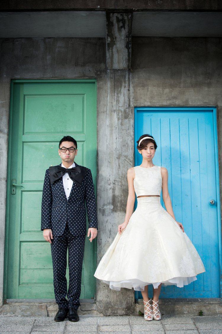 大久保麻梨子身穿洋裝式婚紗,俏皮甜美。圖/蘇菲雅提供