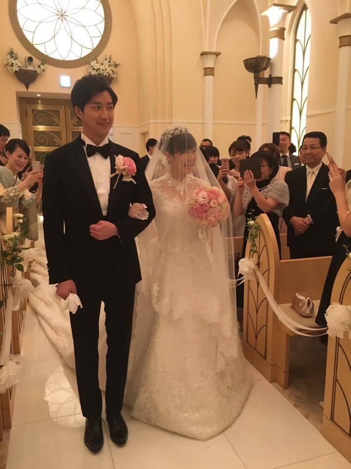福原愛日前在東京迪士尼婚禮,穿C.H.Wedding公主風婚紗。圖/賈永婕提供