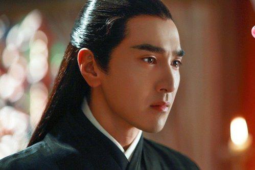 趙又廷在「三生三世十里桃花」中被讚有「整容級」的演技。圖/取自微博