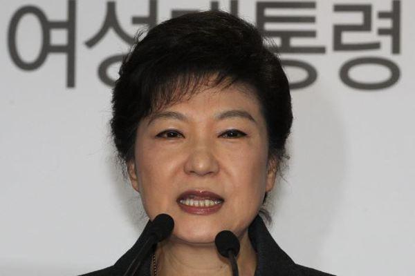 朴槿惠和樂天會長遭起訴 SK集團躲一劫