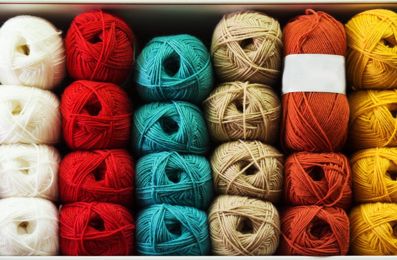 外在世界的變動,也是編織回到人們手中的原因。 圖/Shutterstock