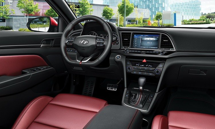 ELANTRA Sport內裝。 (台灣上市實車樣式未定,圖僅供參考)。圖/摘自Hyundai全球官網