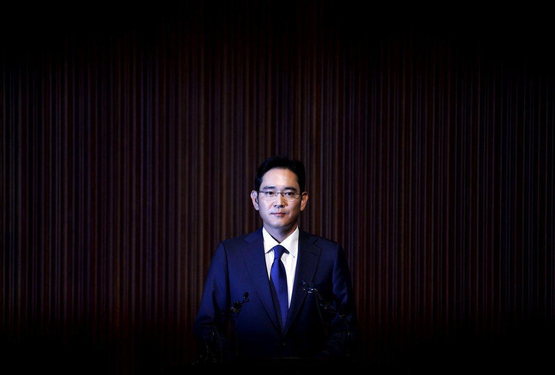 拂曉拘捕:三星少主李在鎔因行賄嫌疑遭逮。 圖/路透社