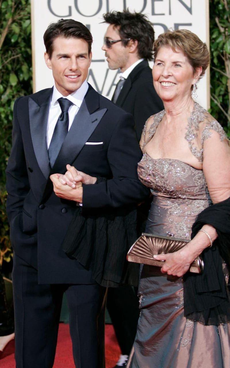 湯姆克魯斯(左)與媽媽(右)感情好。 圖/擷自英國電訊郵報網站