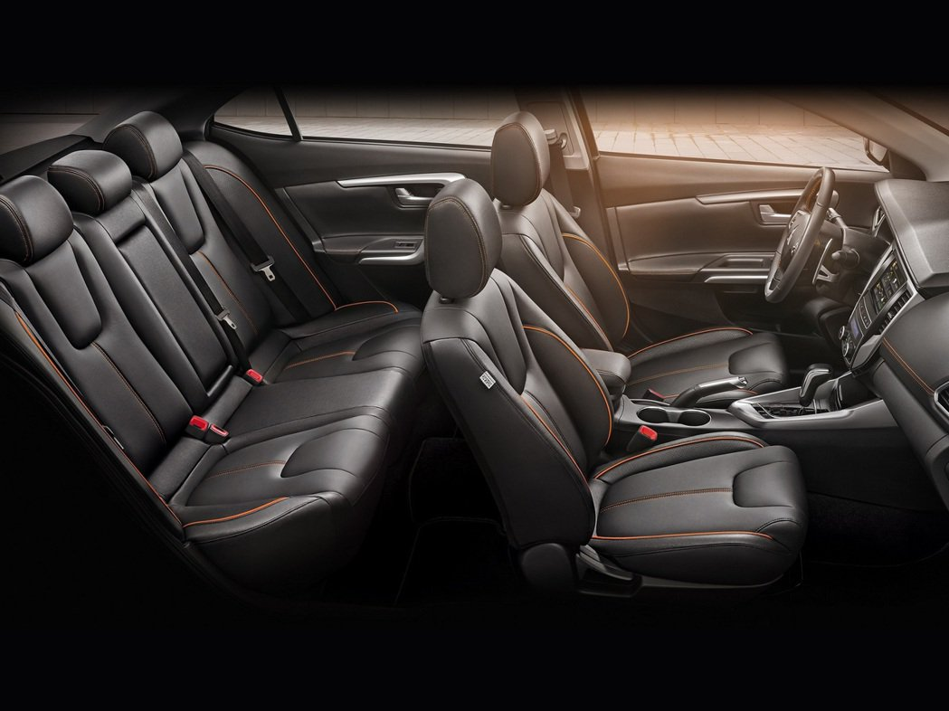 承襲Dynamic Shield嶄新風貌,展現超凡質感及寬適內裝設計。 圖/中華三菱提供