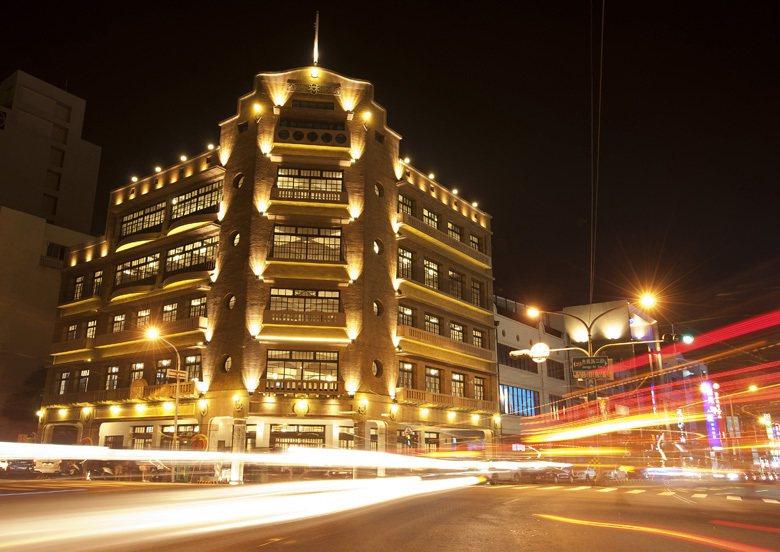 台南林百貨經過3年整修,於2014年開放參觀吸引大批人潮前往,成為台南著名的地標...