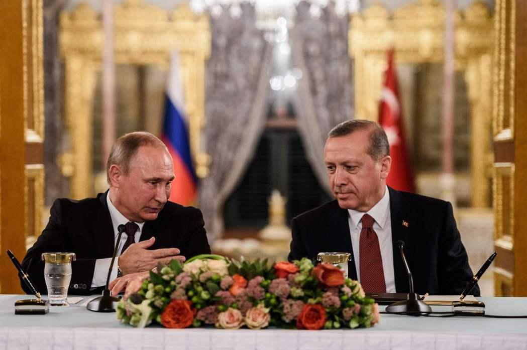 在外交上土耳其不會放棄長期以來的「平衡政策」,用俄羅斯牽制美國,讓美國正視土耳其...