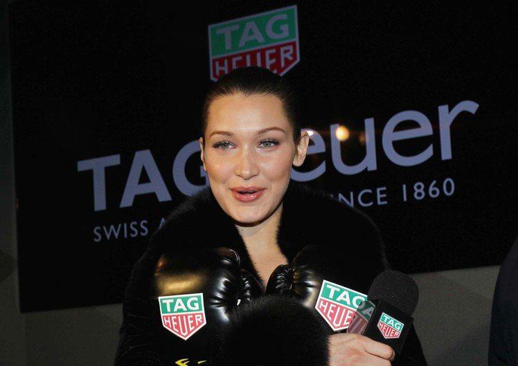 在紐約時尚周期間,泰格豪雅正式宣布Bella Hadid成為新任品牌大使。圖/T...