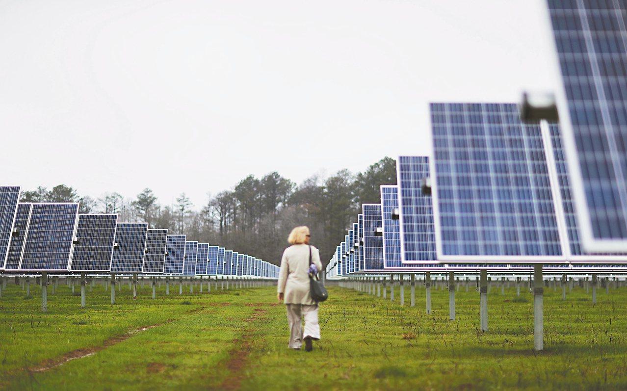 系統開發商及EPC統包工程服務商表示,台灣太陽能裝機量長期不如預期,2017年可...