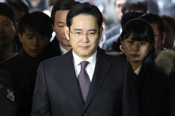 南韓法院發逮捕令  三星少主李在鎔被捕