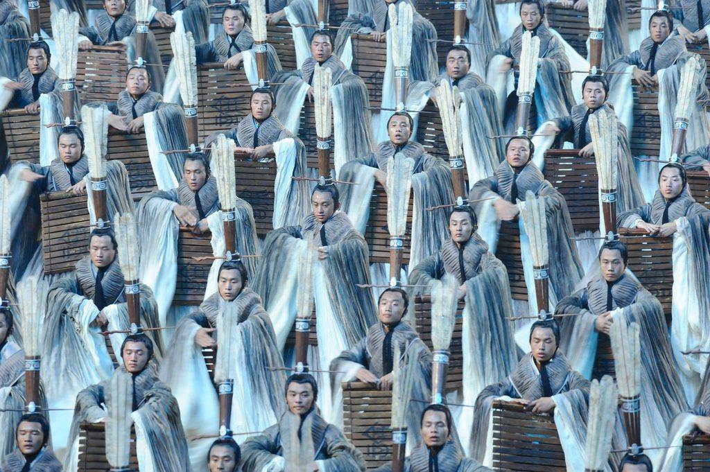 古代中國的大帝國,按照所謂的「天下觀」,在東亞建立的以中國為核心,與中國的政治交...