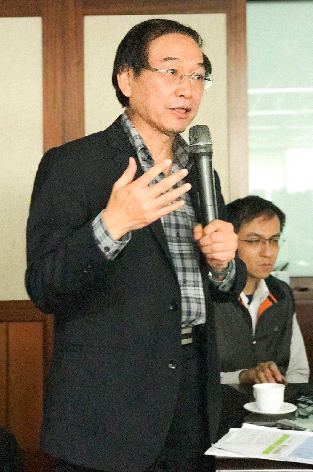高雄市地政局長黃進雄説,市地重劃是以開發地利,和全民共享。 攝影/張世雅