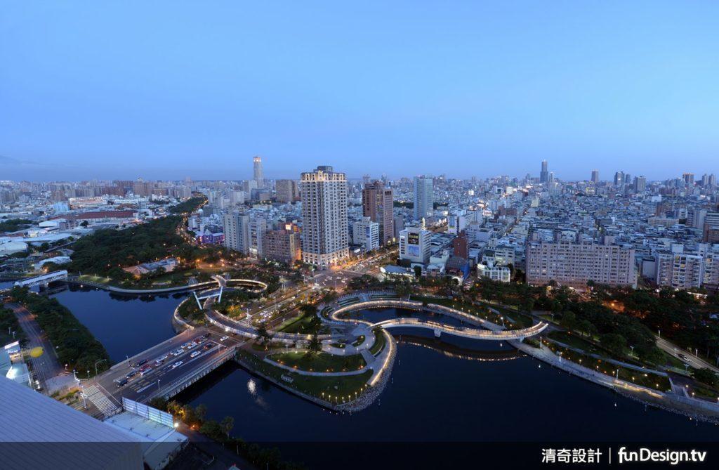 位於27樓的屋頂會館可由高處俯瞰完整的河景。