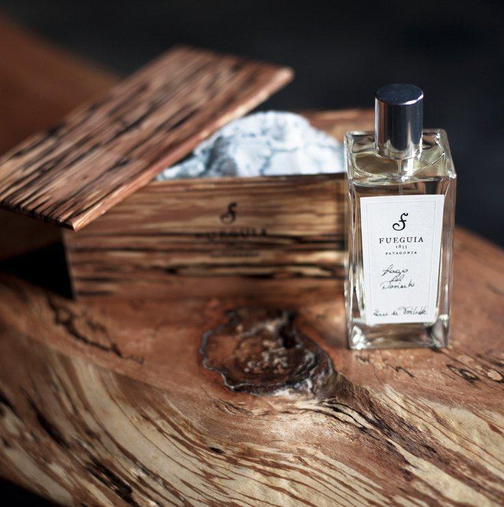 Fueguia 1833從香水的原物料,到產品外包裝的手工木盒、最具代表性的品牌...