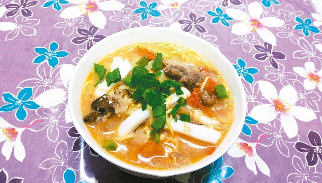 番茄海鮮煨麵 圖╱吳明珠(新竹湖口)