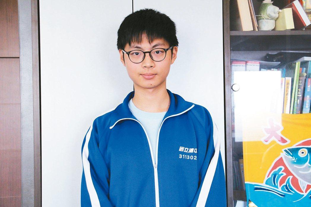 清水高中陳彥霖 陳彥霖用自己的步調讀書,考出學測頂標好成績。 記者洪上元/攝影