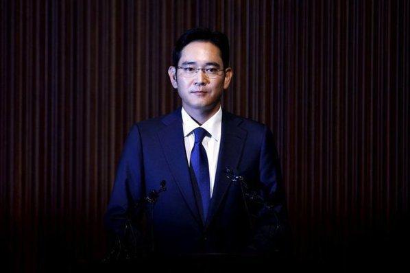 拂曉拘捕:三星少主李在鎔因行賄嫌疑遭逮