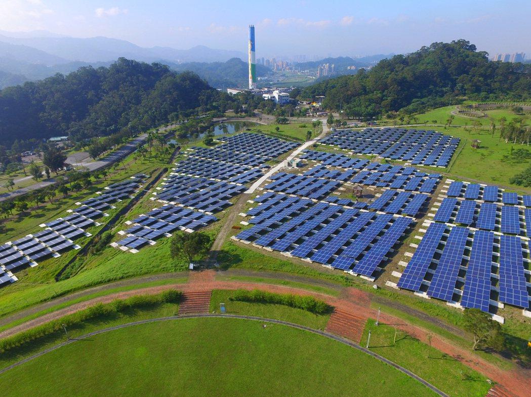 台北福德坑環保復育園區太陽光電系統舉行啟用。(圖:大同提供)