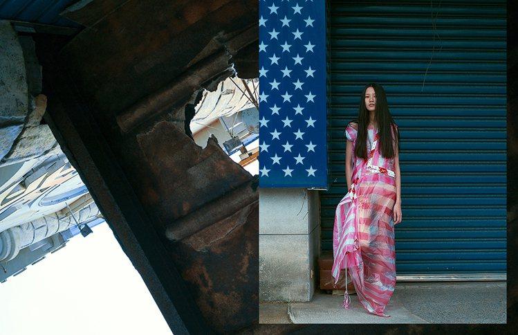 陳劭彥的作品「紅白塑膠袋禮服」,在倫敦時裝周的台灣館展出。圖/陳劭彥提供