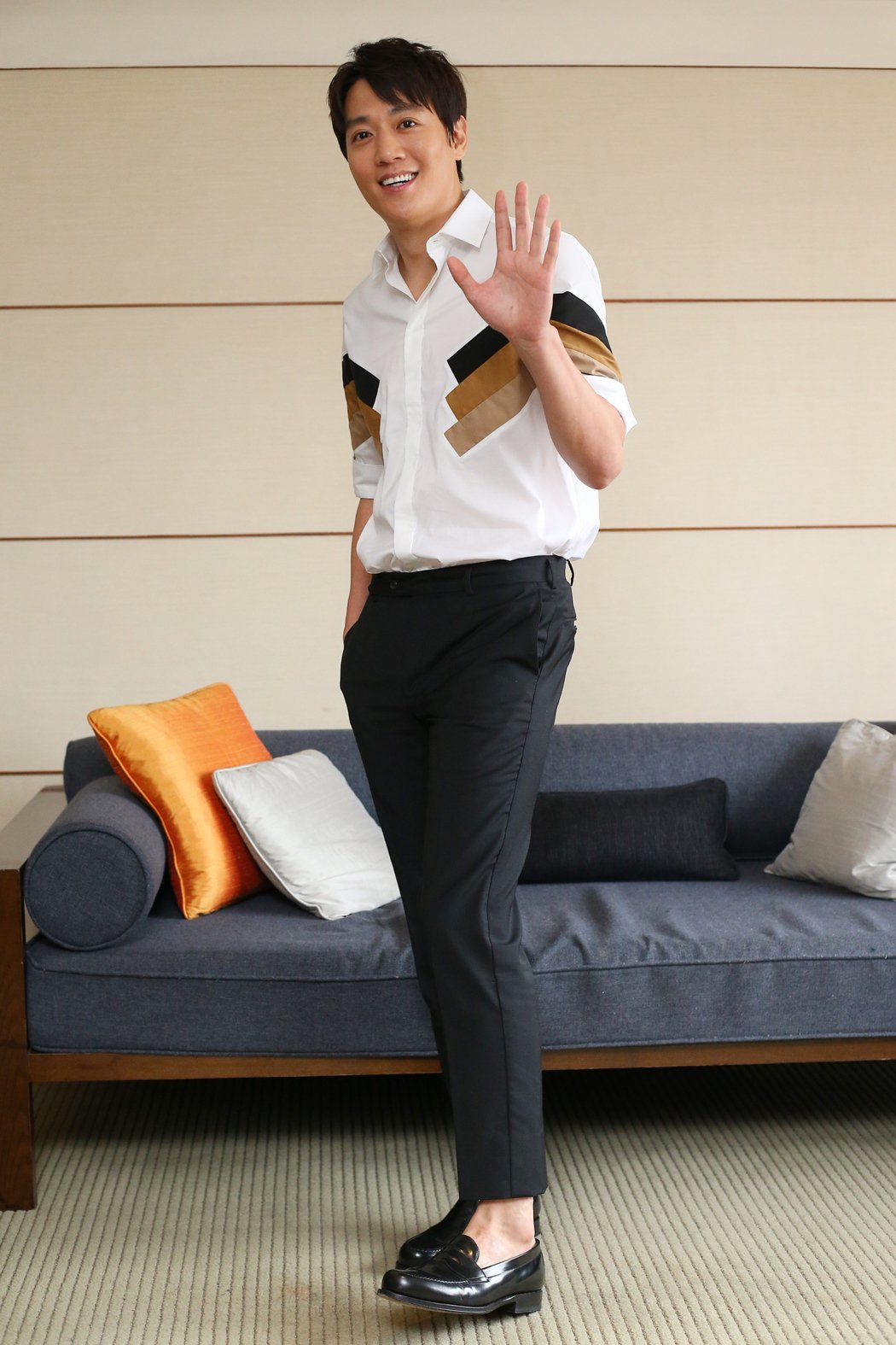 韓星金來沅接受媒體聯訪,透過鏡頭向台灣粉絲打招呼。記者王騰毅/攝影