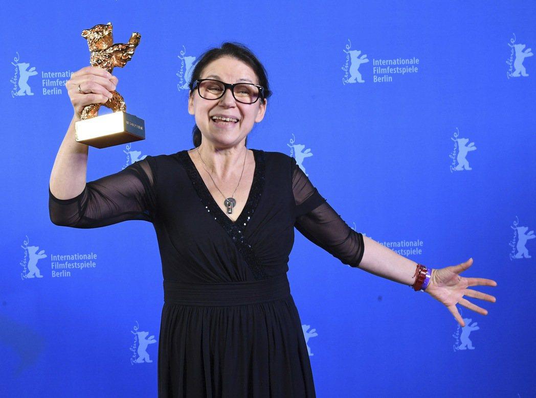 匈牙利女導演伊爾蒂蔻恩伊達(Ildiko Enyedi)執導的「肉與靈」(On