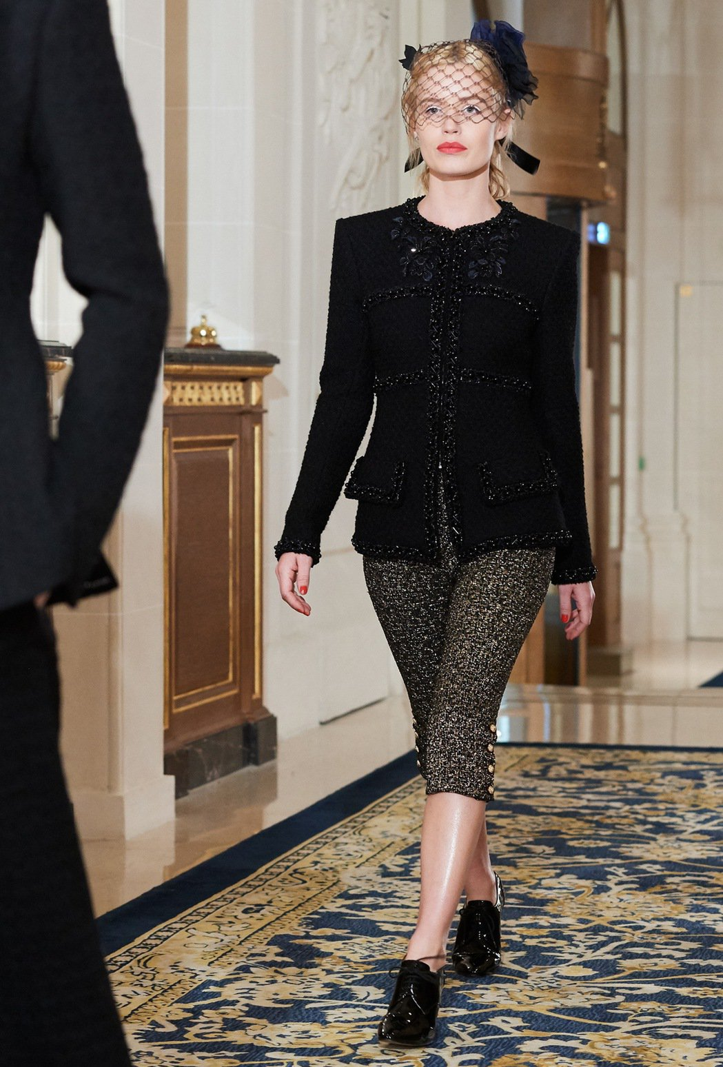 莉莉蘿絲戴普穿的香奈兒2016/17 Paris-Cosmopolite巴黎大都...