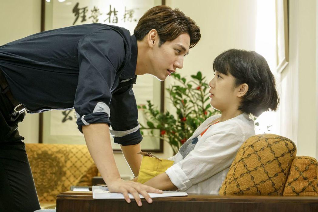 劉奕兒、黃仁德拍「美好年代」有過意外之吻。圖/中天提供