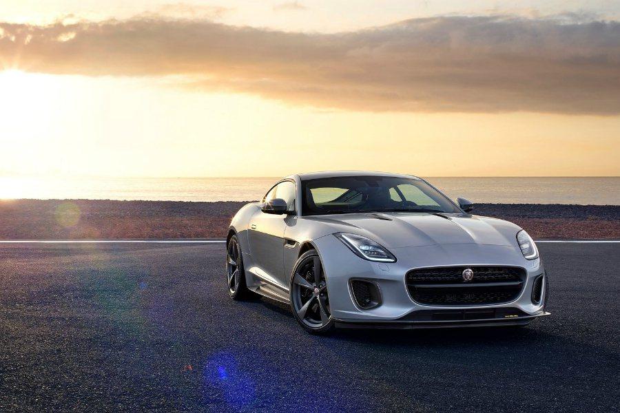 未來 XE SVR 將搭載與 F-Type 相同的 5.0 升 V8 機增引擎,最大馬力將可達到 500 匹。圖為 2018 Jaguar F-Type 車型。 摘自 Jaguar