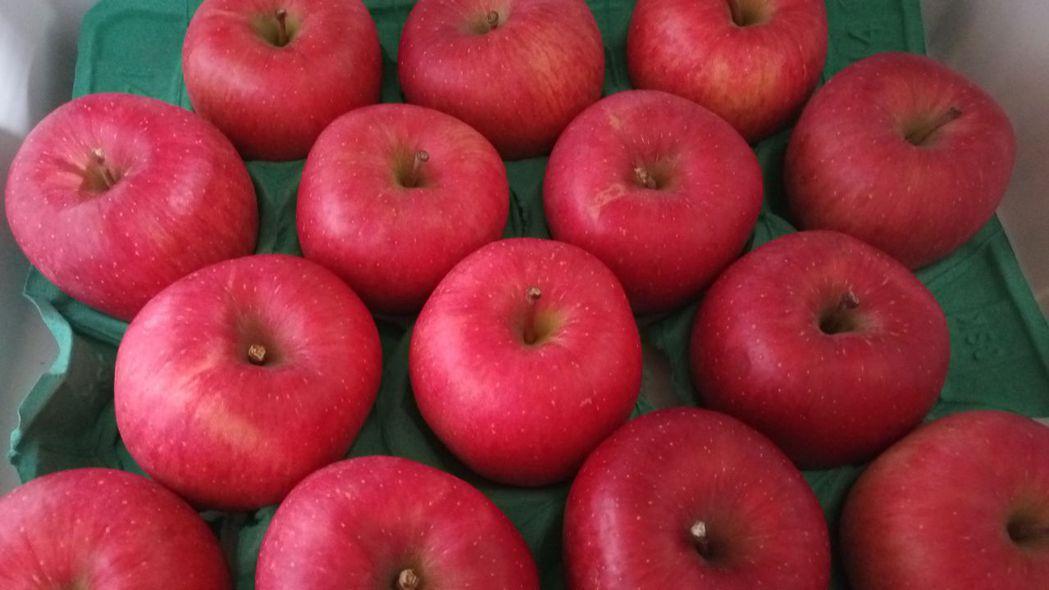 醫師謝昌興說明,婦女慎選水果,避免攝取過甜或過多的水果造成發胖、增加多囊性卵巢症...