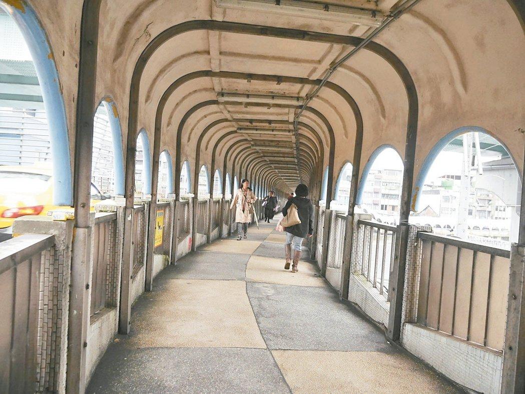 韓國影帝來台拍片,基隆「那夢境般的長廊」將再現大螢幕。 記者吳淑君/攝影