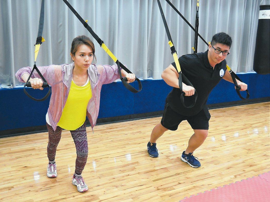 知名美食節目主持人夏于喬曾二個月內減重5公斤,就是靠運動和飲食控制。 記者陳珮琦