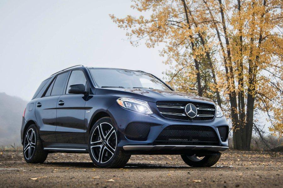 第三項召修對象則是 GLE 與 GLS 車型,召修原因為主中控鎖瑕疵。圖為 2017 Mercedes-Benz GLE43 AMG 車型。 摘自 Mercedes-Benz