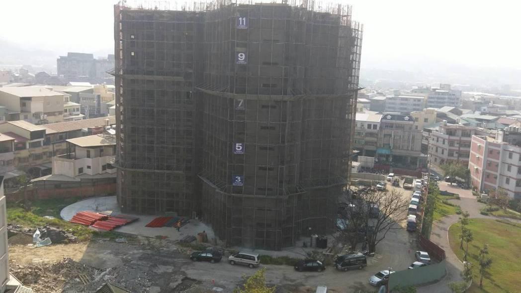 台中市第一個社會住宅位在豐原區安康段,年底提早完工,11月可受理申租。圖/台中市...