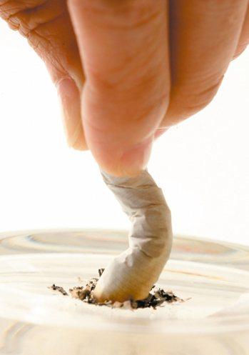 抽菸的危害大家都了解,然而對抽菸多年的癮君子而言,戒菸造成的生理變化,卻是讓許多...