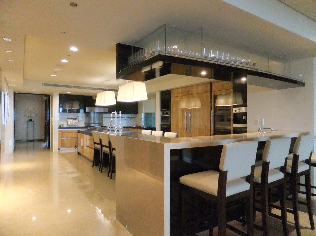 名媛陸勝文的帝寶內廚房一景。記者游智文/攝影