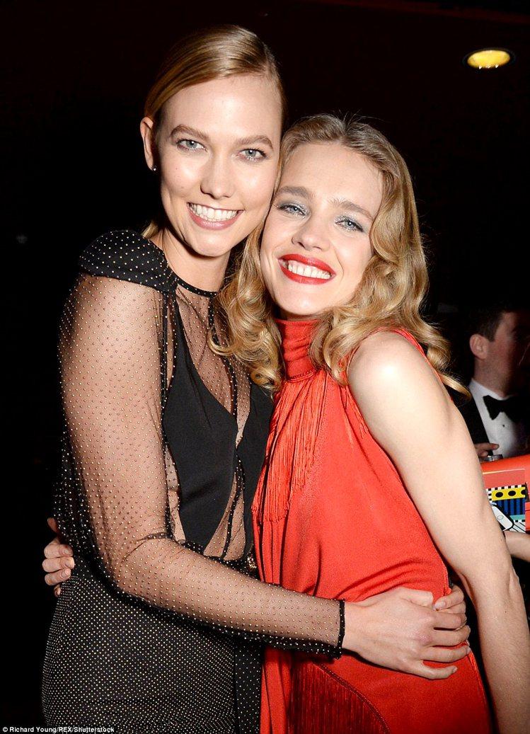 Karlie Kloss(右)、Natalia Vodianova。圖/擷自每日...