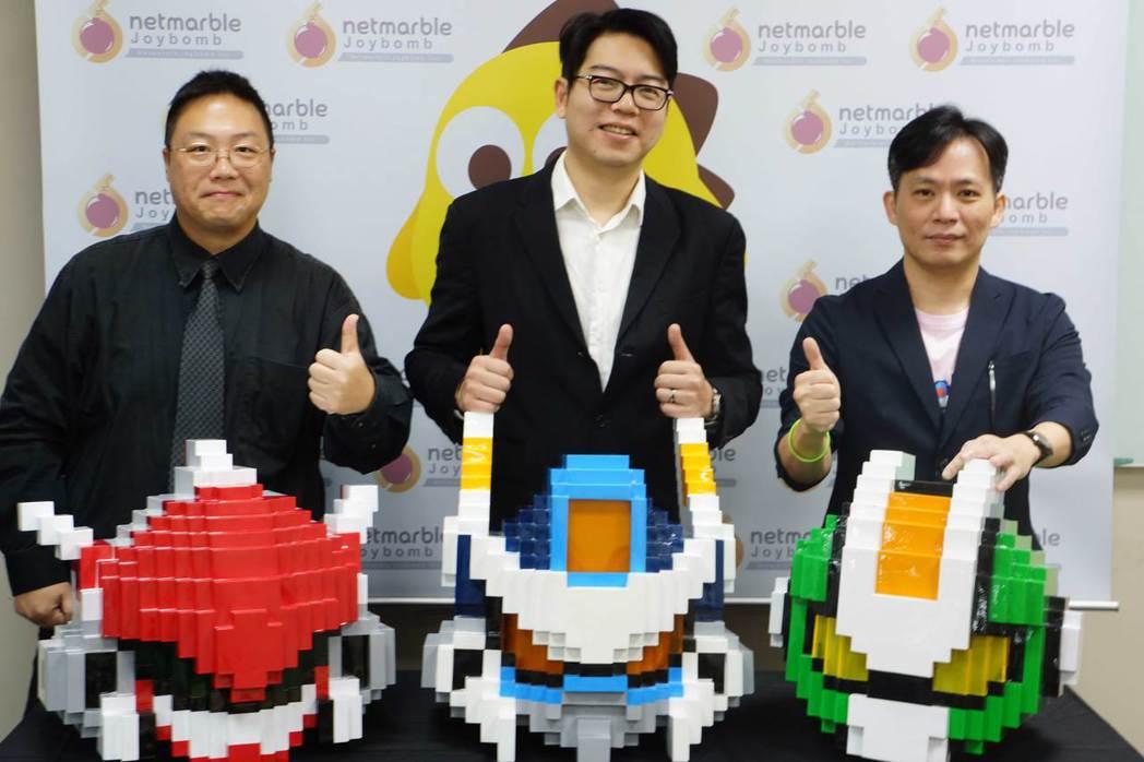 Qubit-Games致贈《Qubot像素戰機》主角機甲頭盔予網石棒辣椒,象徵兩...