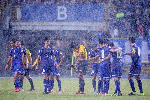 台灣足球放棄治療,卻做著十年四十億的春秋大夢