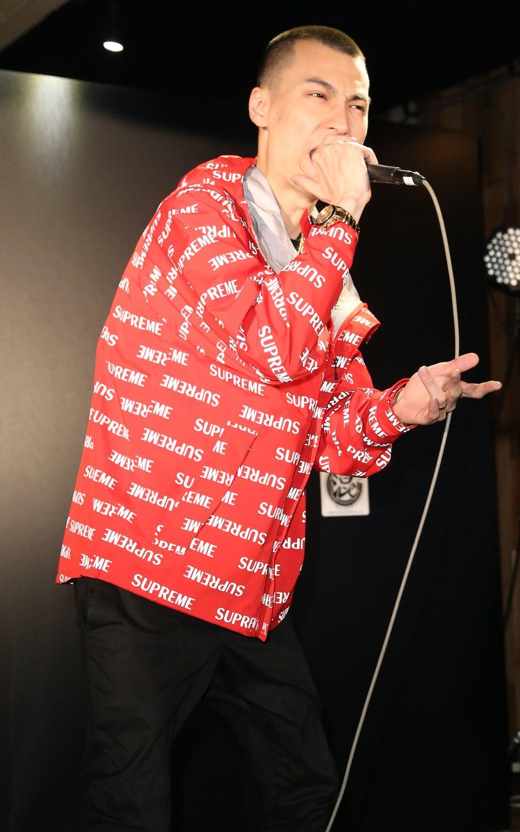 嘻哈天菜TY出新專輯,用四川話唱RAP。記者陳正興/攝影