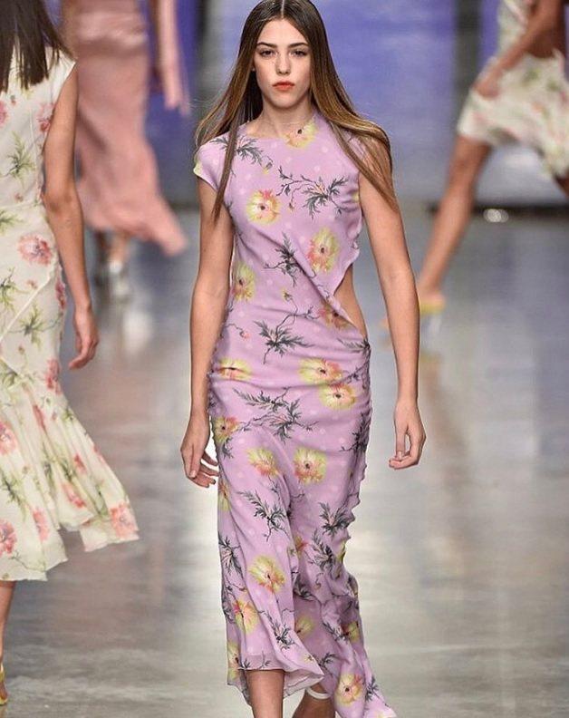 席維斯史特龍次女西絲汀史特龍今年18歲,日前為Topshop在倫敦時裝周發表的秋