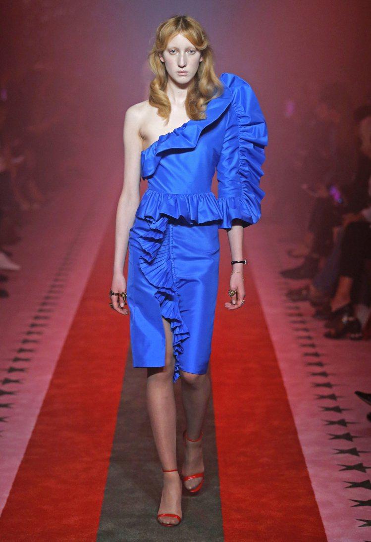麥可傑克森的女兒派瑞絲傑克森穿Gucci春夏藍色洋裝拍攝雜誌CR Fashion...
