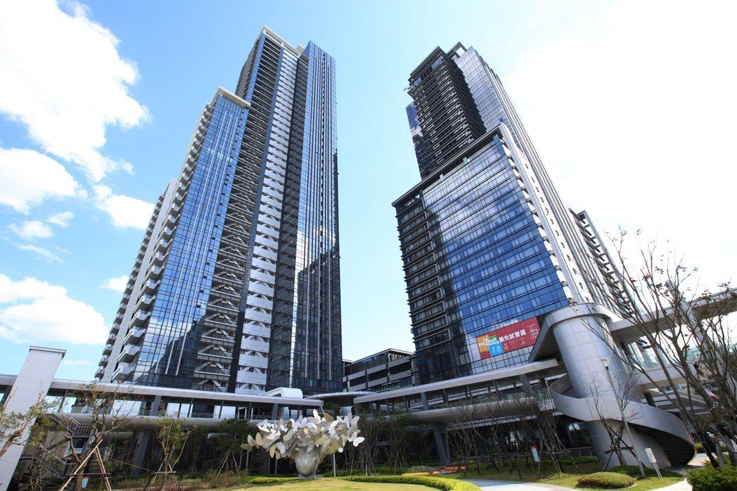 台北萬豪酒店與西華富邦豪宅共享 7600坪基地,西華董事長劉文治在蘇富比以100...