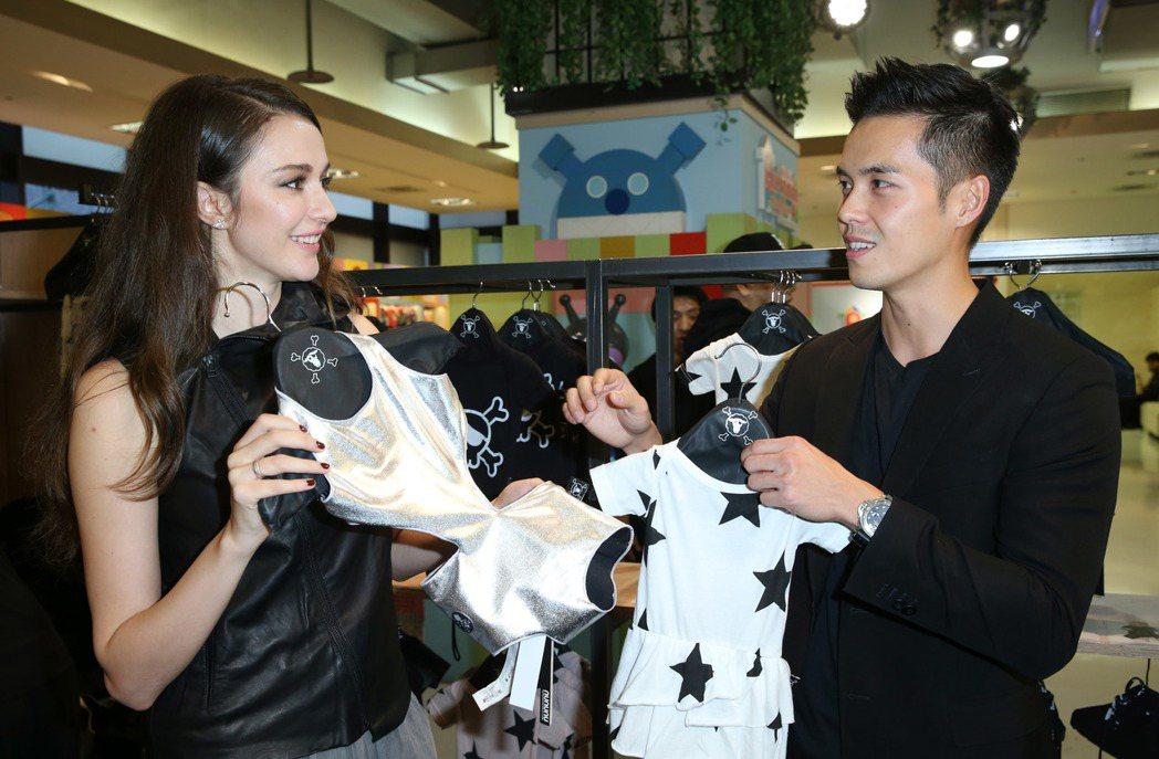 瑞莎與老公Mike於台北新光三越信義店A8館開設童裝店。記者陳瑞源/攝影