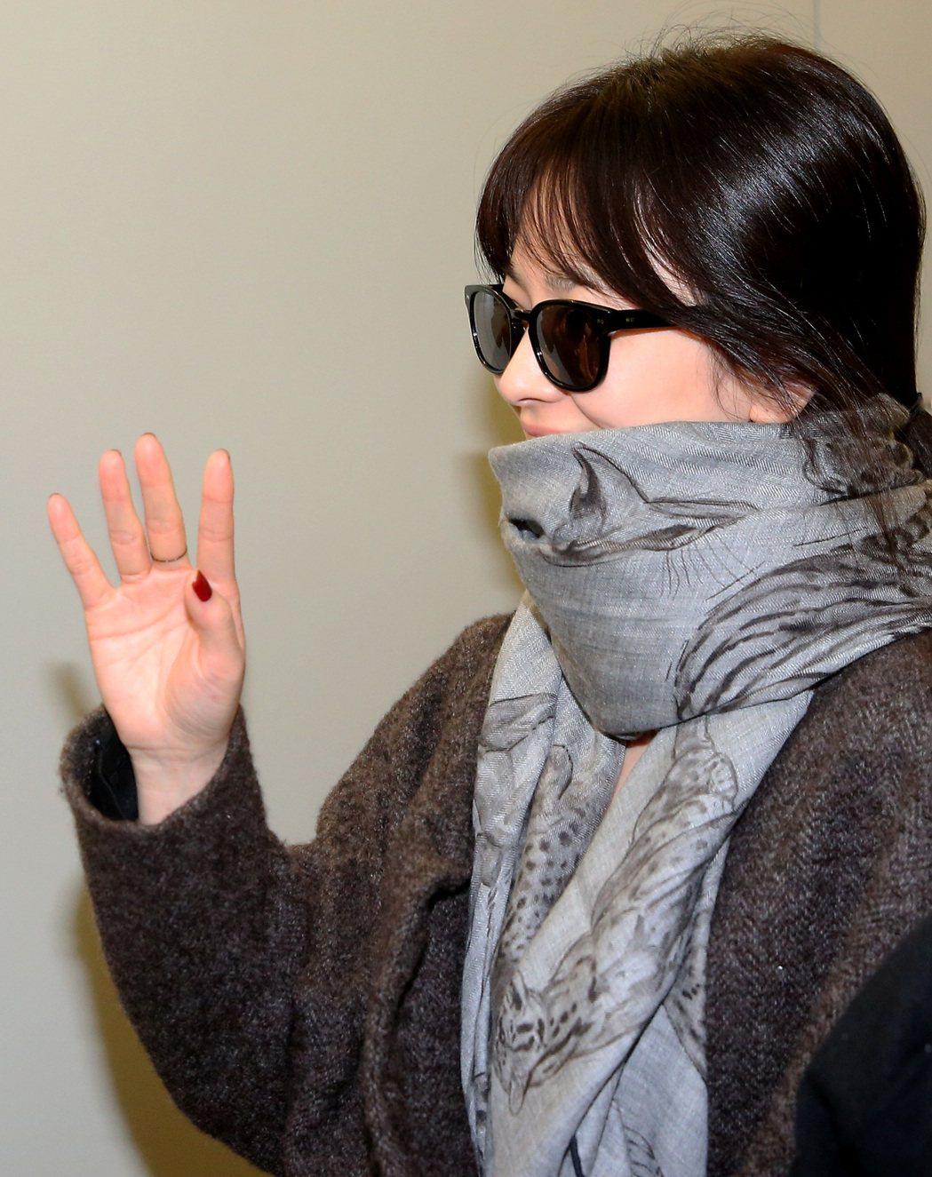 南韓藝人宋慧喬22日晚間搭機抵台。記者陳嘉寧/攝影