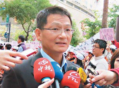 疑捲入弊案的新北市地政局副局長王聖文。 本報資料照片