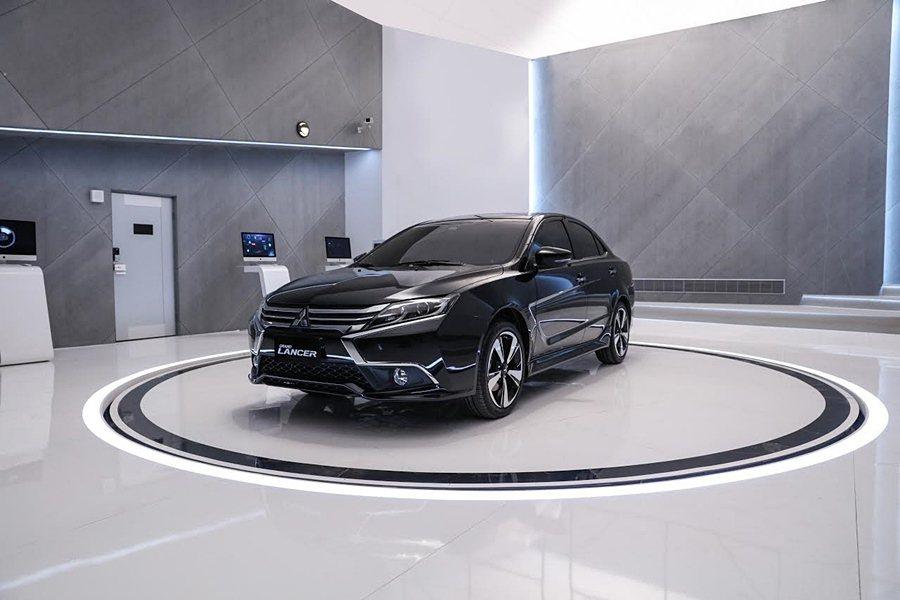 Grand Lancer車側具備C形輪廓讓車子營造出運動感。 中華三菱提供